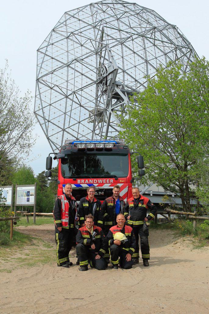 Brandweer bij de radiotelescoop. Foto: Harry Keizer